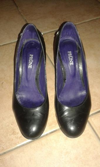 Zapatos Stilletos Clásicos Prune Negros