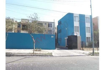 Departamento En Planta Baja En La Colonia Del Fresno.
