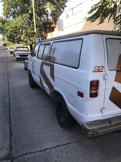 Dodge Van V8 5.2