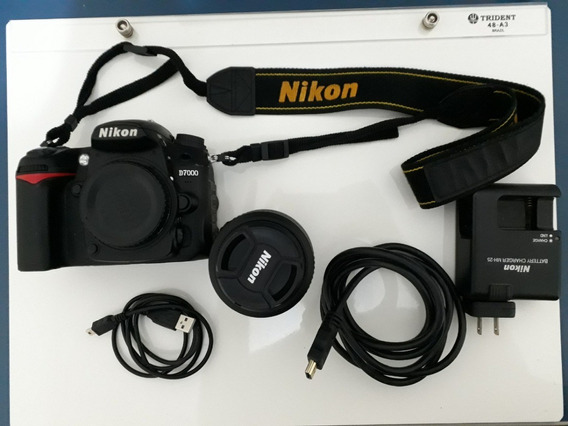 Câmera Nikon D7000 + Lente Nikkor 18-55mm - 6k Cliques