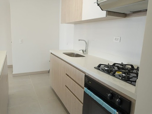 Imagen 1 de 18 de Apartamento En Arriendo El Portal 472-2533