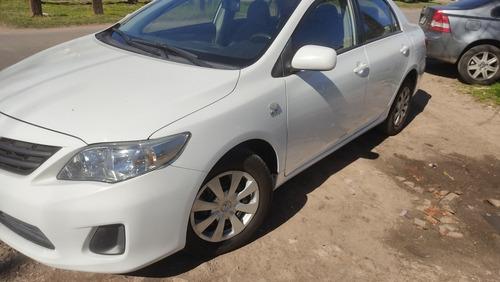 Imagen 1 de 11 de Toyota Corolla 2013 1.8 Xli Mt 136cv