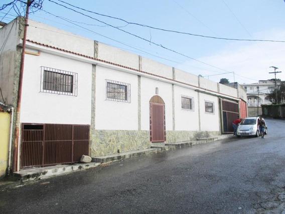 Disponible Casa En Venta El Junquito Rah: 19-12096