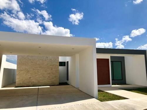 Residencia Lomas Dzityá, 1 Planta, Alberca, Tv Room, 3 Habits. Estrénala