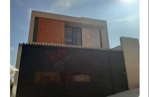 Venta Casa Nueva En Villa Magna, Con 4 Recamaras , Una En Planta Baja