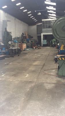 Bodega Industrial (2702)