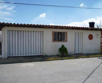 Casa En Venta En San Joaquin De Turmero Codigo 17-15740 Jan