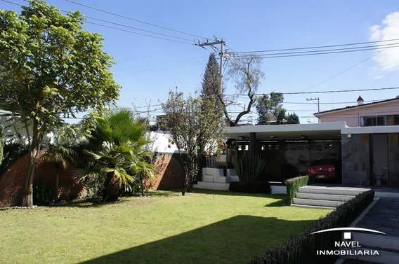 Excelente Casa Sola En Esquina, Cav-3163