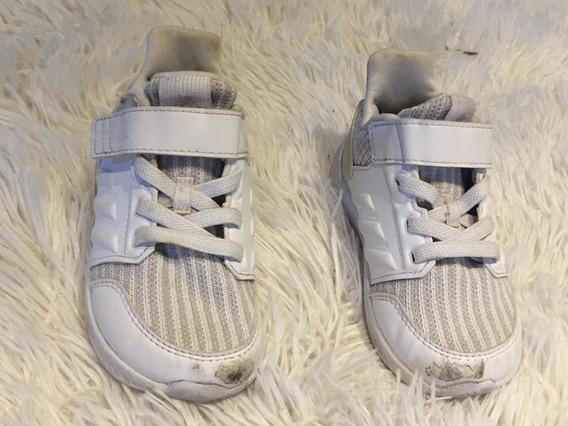 Zapatillas adidas Blancas T. 22 Muy Buen Estaso