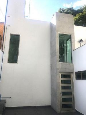 Casa Completamente Remodelada En Venta Prado Vallejo