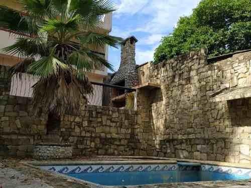 Casa Campestre Con Alberca En El Álamo.