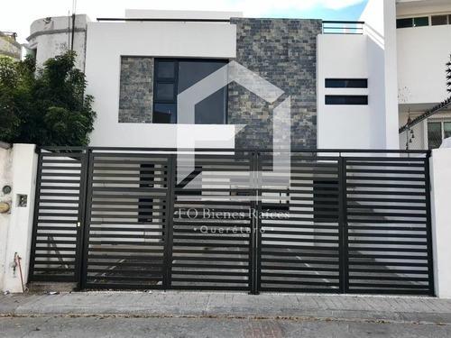 Milenio Iii, Casa En Venta Con Jardín De 65m2