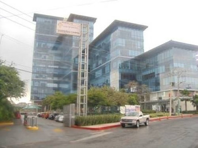 Oficina Comercial En Villas Del Lago, Av. De Los 50 Metros