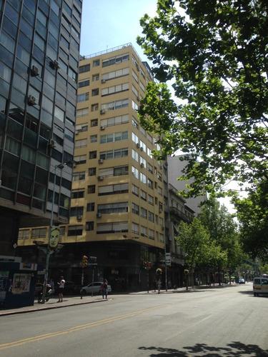 Imagen 1 de 4 de Apartamento Pleno Centro - Río Branco Esquina 18 De Julio
