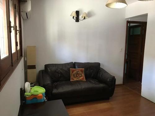 Casa Pocitos 2 Dormitorios Y Servicio Patio Cochera