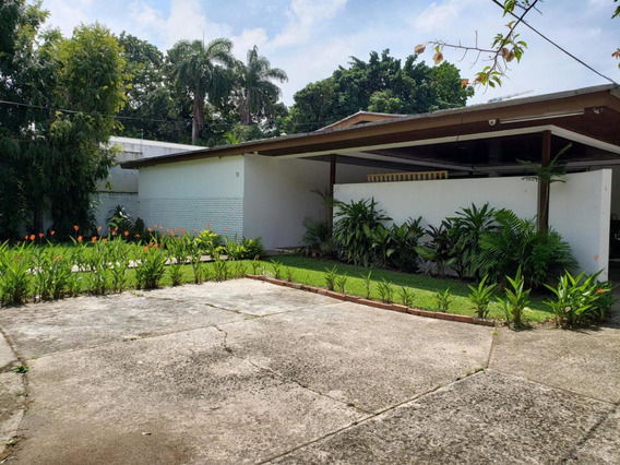 Hermosa Casa En Venta En Altos Del Golf Panamá Cv