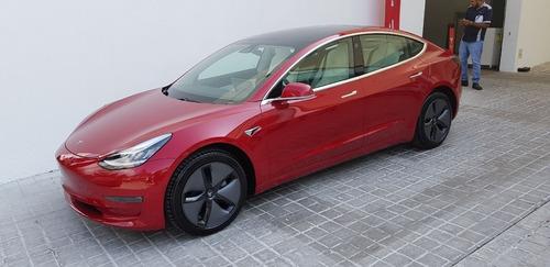 Imagen 1 de 8 de Tesla Model 3