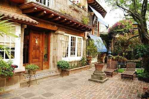Excelente Residencia Estilo Colonial