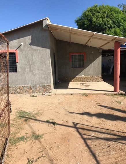 Casita Modesta De 3 Habitaciones Y 1 Baño Garage