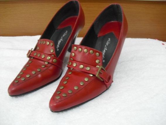 Sapato Em Couro Vermelho Com Tachas - Nº 35