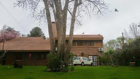 Casa/ Oficina 650 M2/ Quincho/ Pileta Uso Consultorio - Spa