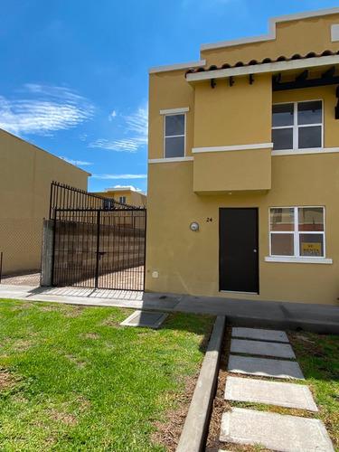 Hermosa Casa Nueva En Privada En Real Solare