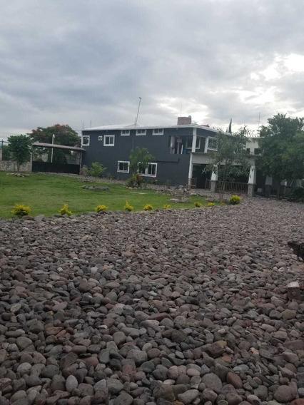 Hermosa Casa, 2 Pisos Y Gran Terreno,lista Para Usarse