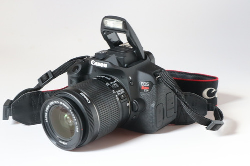 Canon T5i Com  Menos De 15k Com 18 55 E Grip Original Canon