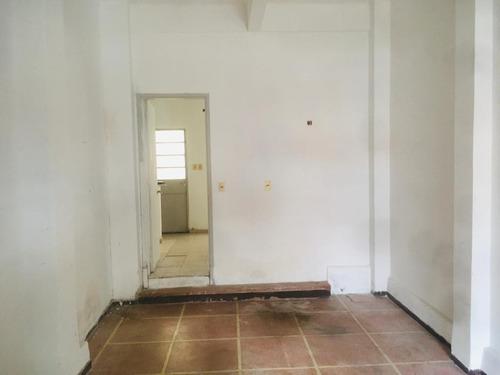 Alquiler Pocitos Depósito 60m2 Duplex Patio Garaje