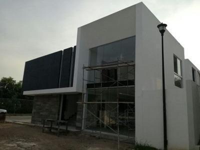 Bonita Casa En El Fraccionamiento Real San Ignacio