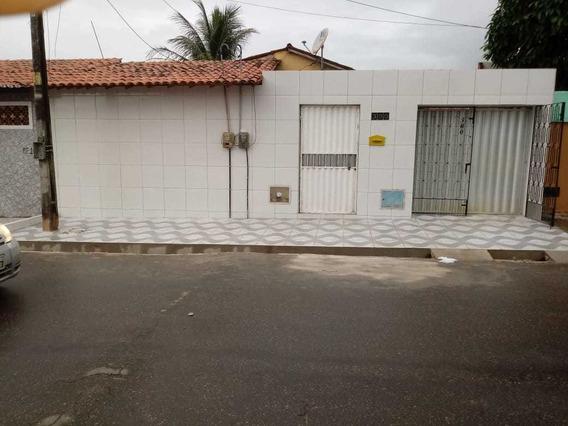 Aluga-se Casa 9 Cômodos