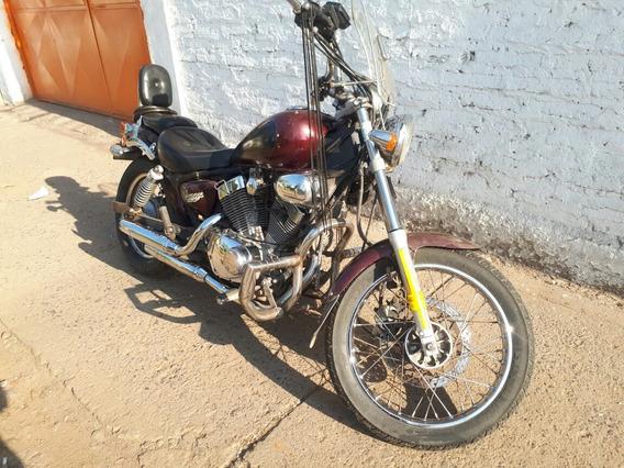 Motorrad Vmax 250