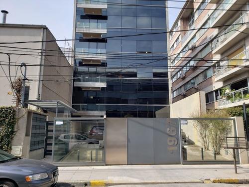 Excelente Oficina C/cochera Y Vista Abierta Al Rio
