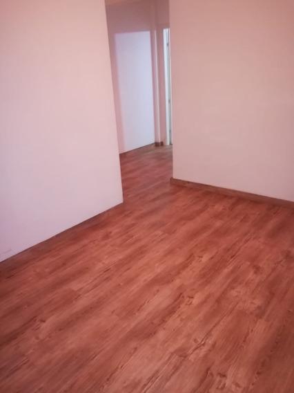 Apartamento, Mucha Luz - 3er Piso - Muy Comunicado