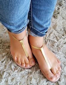 Sandália Rasteirinha De Dedo Dourada 38