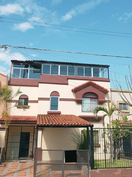 Casa En Renta Camino De La Costa, Paseos De Santiago