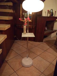Lámpara Ajustable Con Pantalla Y Mesa De Vidrio Esmerilado