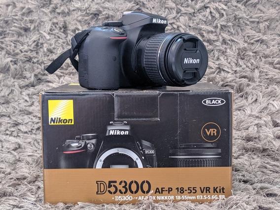 Nikon D5300 + Lente 50mm + Lente 18-55mm + Flash + Bateria