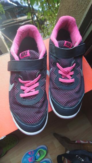 Zapatillas Nike Niña Talle 33 / 21,5 Cm.