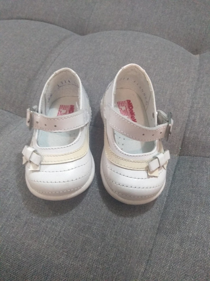 Zapatos Blancos Marca Andanenes