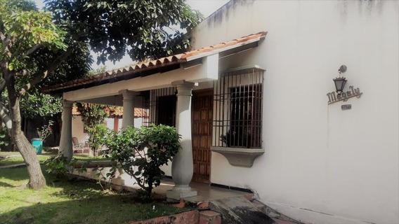 Hermosa Casa Quinta En El Este De Barquisimeto