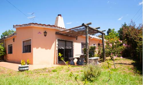 Casa En Costa Azul, 4 Dormitorios.