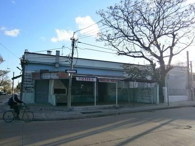 Venta Edificio, Casa Y Local Esquina. Jose Serrato Y Jaime R