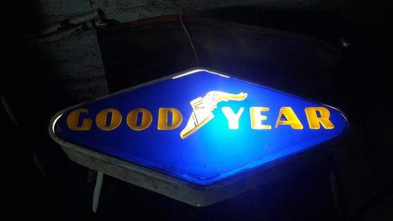 Cartel Luminoso Con Relieve Antiguo De Goodyear Precio U.s