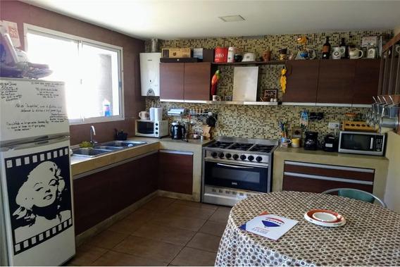 Casa En Venta Monte Castro 6 Ambientes Con Cochera