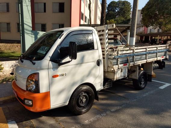 Hyundai Hr 2017 Com Carroceria - Único Dono - Pneus Novos
