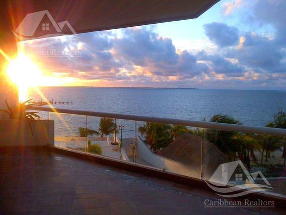 Departamento En Venta En Cancun Zona Hotelera/ Punta Sam