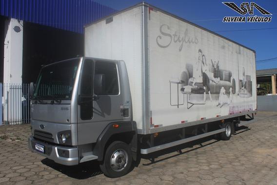 Ford Cargo 816 - Ano: 2015 - Baú