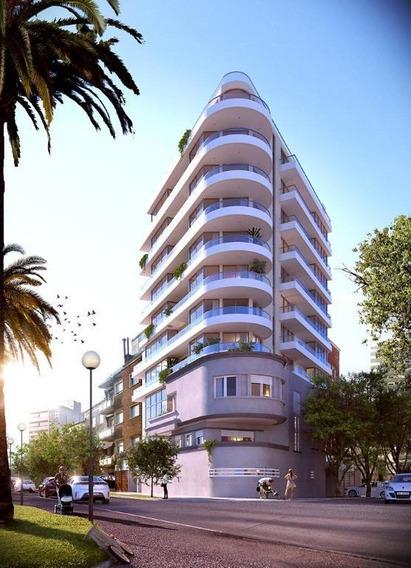 Apartamento Alto Padrão Tipo Penthouse Para Venda Em Montevideo - Pocitos I 3 Dormitórios Sendo 1 Suíte I 2 Vagas I 230m² Total - Ph0003