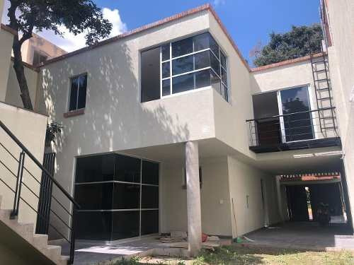 Casa Sola En Venta, A 4 Cuadras Del Centro De Coyoacán.